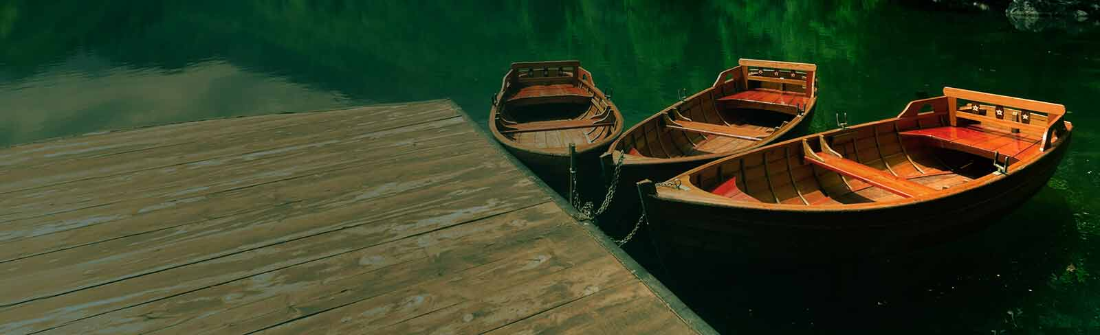 Boats on lake (desktop)
